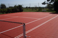 Bergo TENNIS Allwetterplatz in tennisrot